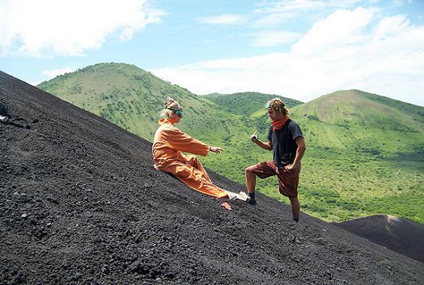 Experiência: Volcano Boarding no vulcão Cerro Negro, Nicarágua