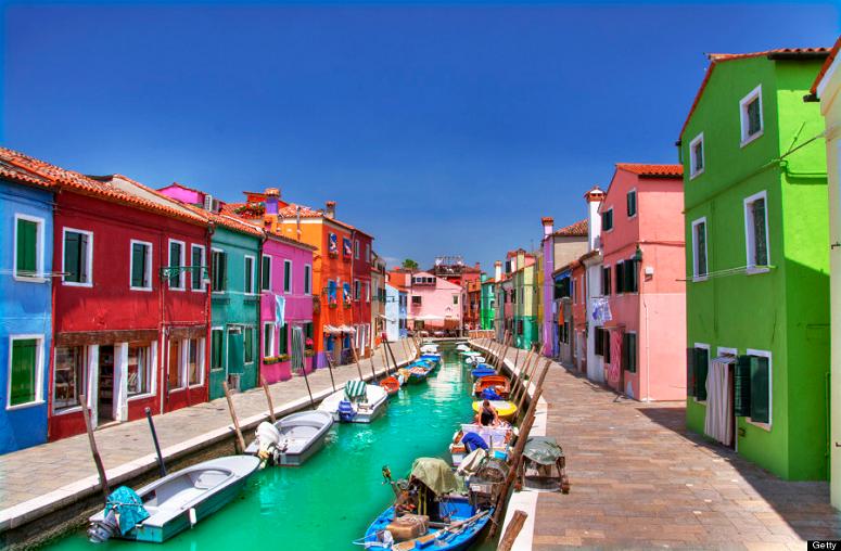 Burano, a pequenina ilha italiana para você levantar sua alma