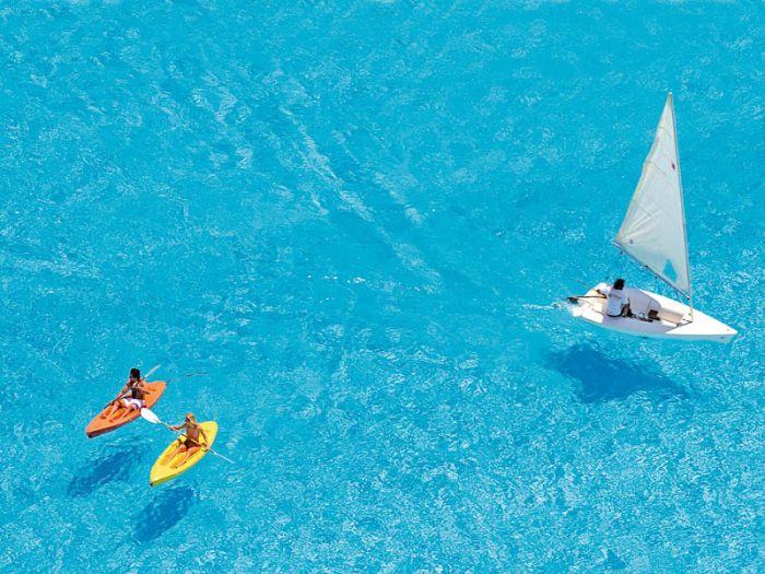 Isto é uma piscina. Simplesmente, a maior do mundo. Disparada!