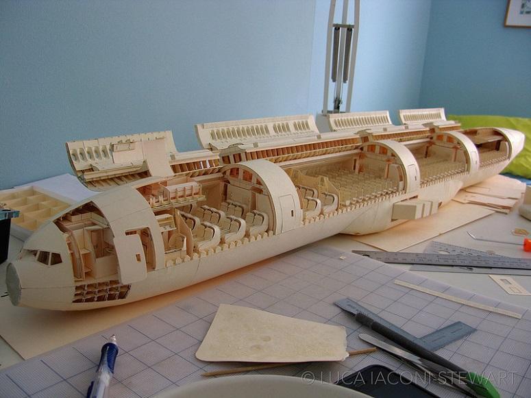 O impressionante Boeing 777 de papel que levou mais de 5 anos para ser criado