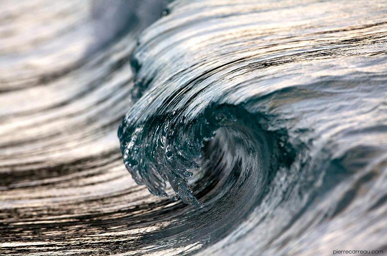 Este fotógrafo encontrou uma beleza escondida nas ondas. Para mim, isso é a perfeição!