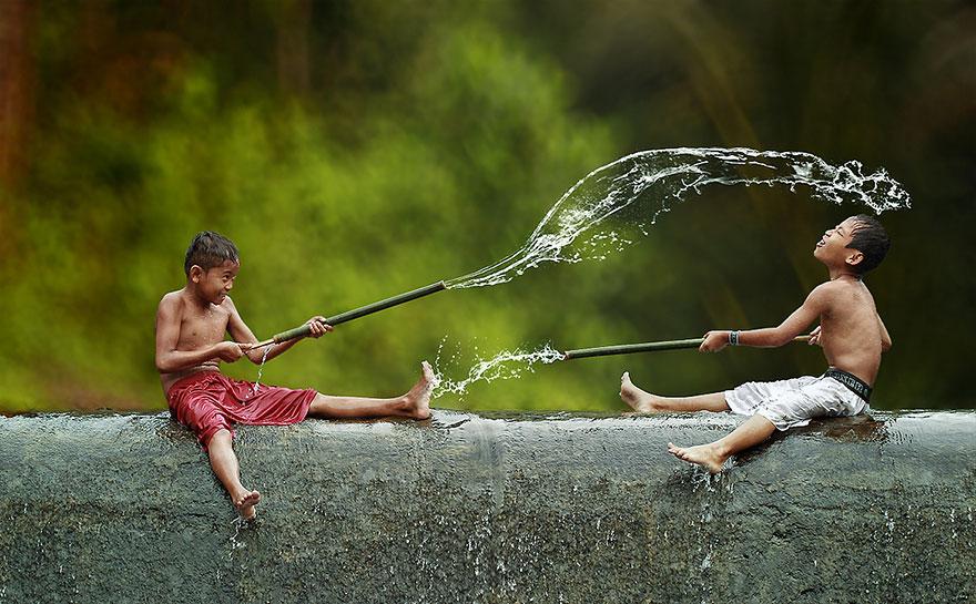 Este Fotógrafo Entrou Em Uma Aldeia Da Indonésia E Começou A Tirar Fotos… Espetacular!