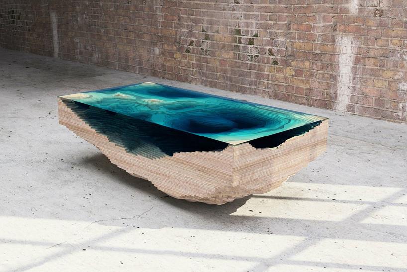 Nunca Reparei Nas Mesas, Mas Agora Estou Fascinado Com Esta. Ela É Como O Fundo Do Oceano…