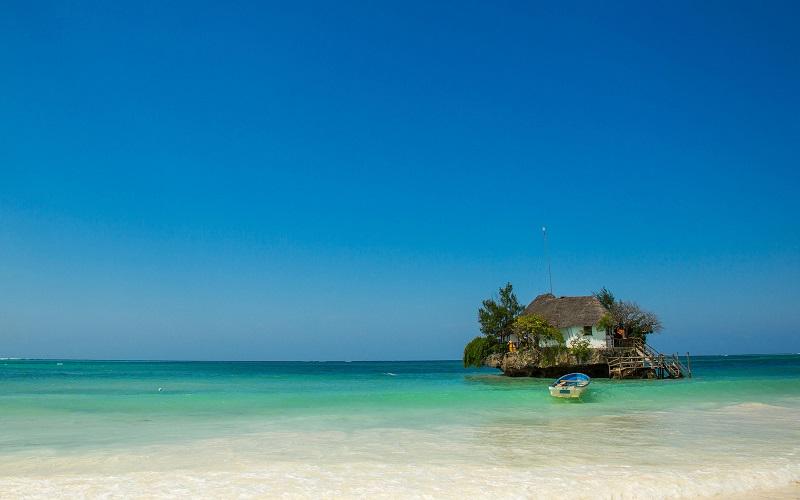 Jante No Meio Do Oceano Neste Restaurante Em Zanzibar