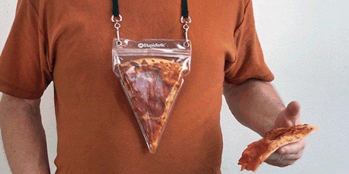 Agora Você Pode Levar Um Pedaço De Pizza Para Qualquer Lugar Com Este Suporte