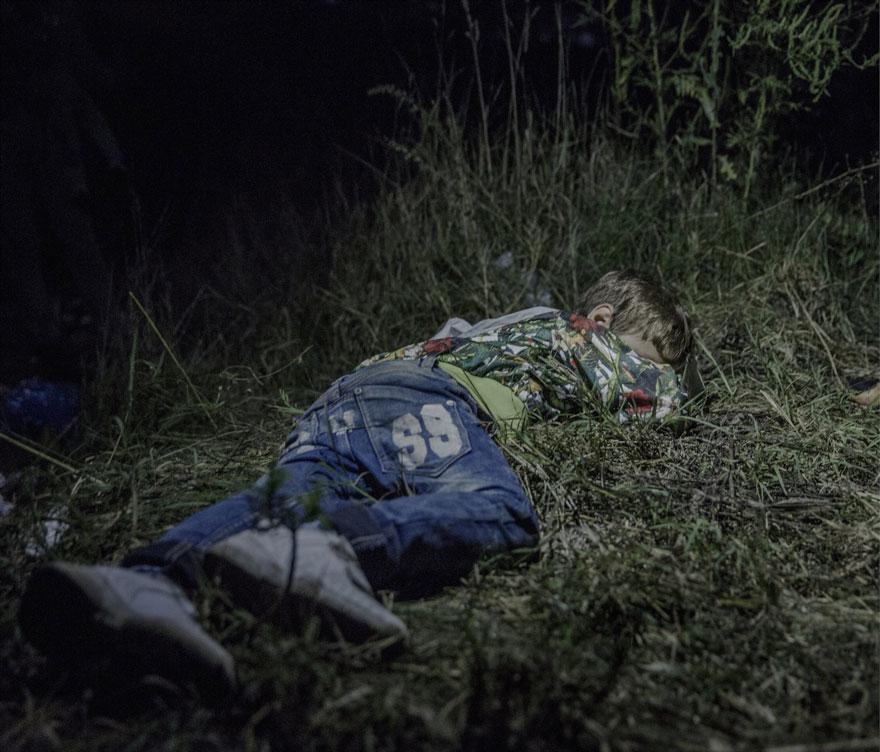 fotografo-revela-onde-criancas-refugiadas-sirias-dormem-3