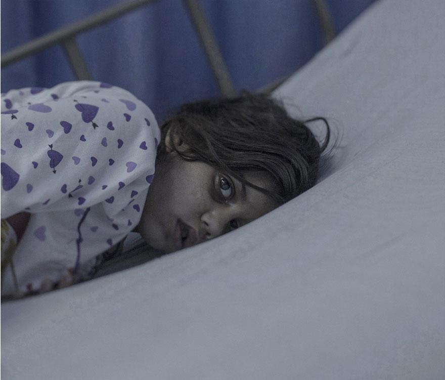 fotografo-revela-onde-criancas-refugiadas-sirias-dormem-4
