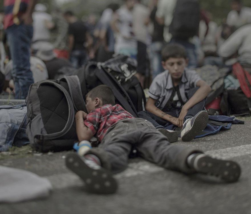 fotografo-revela-onde-criancas-refugiadas-sirias-dormem-8