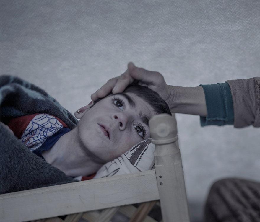 fotografo-revela-onde-criancas-refugiadas-sirias-dormem-9