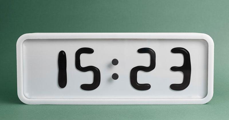 Conheça O Rhei, Um Relógio Ultramoderno De Monitor Com Líquido