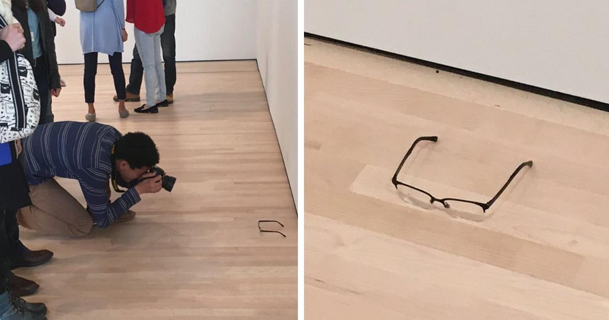 Alguém Colocou Um Par De Óculos No Chão Do Museu De Arte Moderna De San Francisco E Visitantes Pensaram Que Era Arte