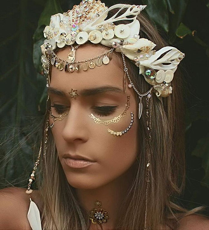 coroas-de-sereia-com-conchas-de-verdade-8