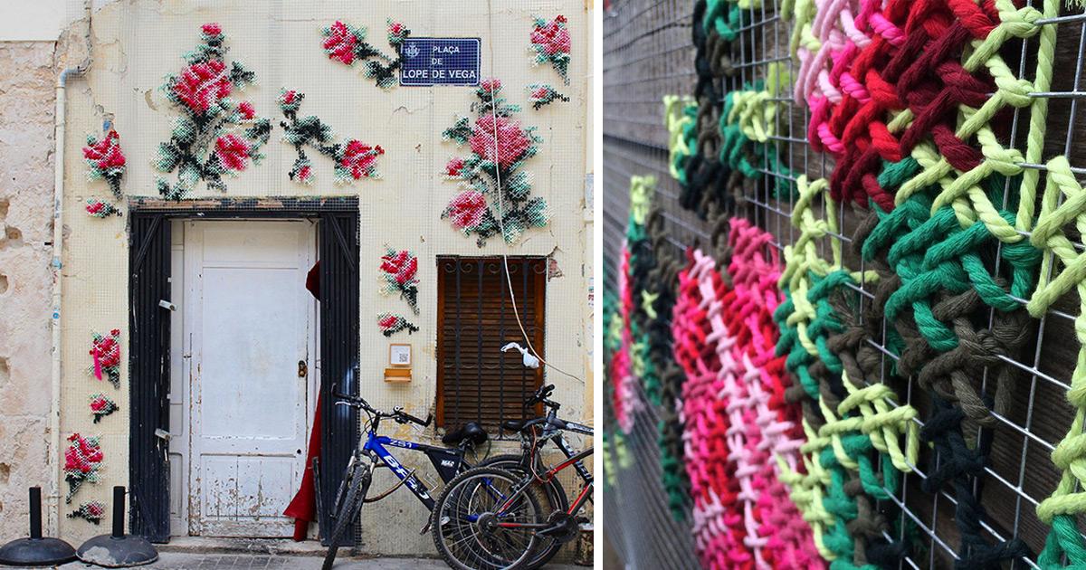 As Instalações De Rua Florais De Ponto Cruz Por Uma Artista Espanhola