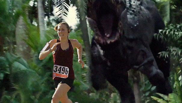 A maneira como este marido reagiu à sua esposa ganhando sua primeira corrida de 5km é muito engraçada