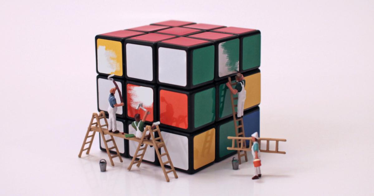 As infinitas possibilidades do mundo em miniatura me inspiram a criar arte