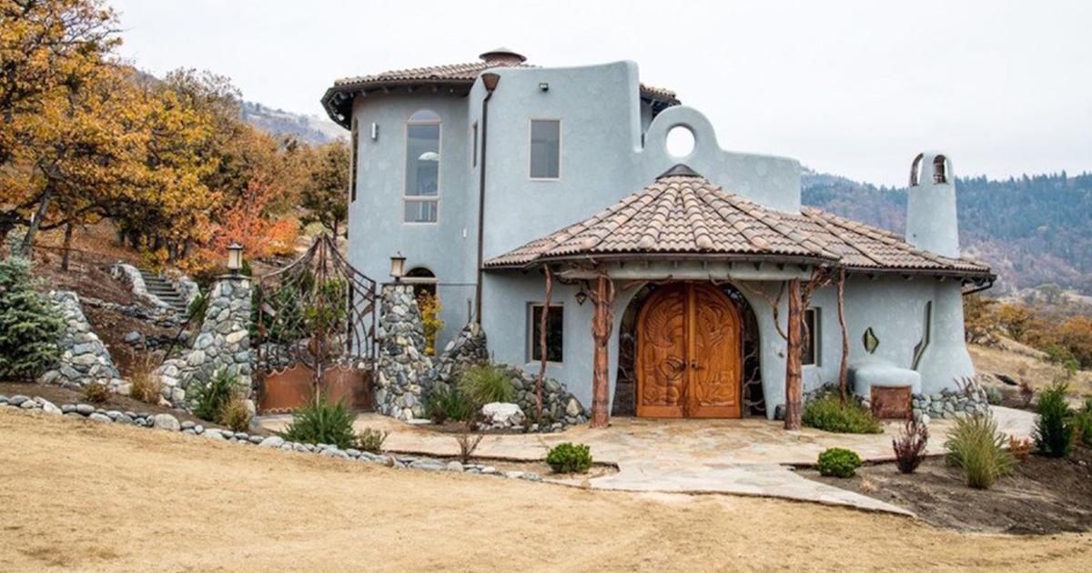 Esta casa parece comum do lado de fora, até você entrar e ver por que custa 7.600.000 dólares