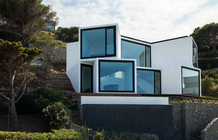 A incrível casa contemporânea de frente para o Mediterrâneo