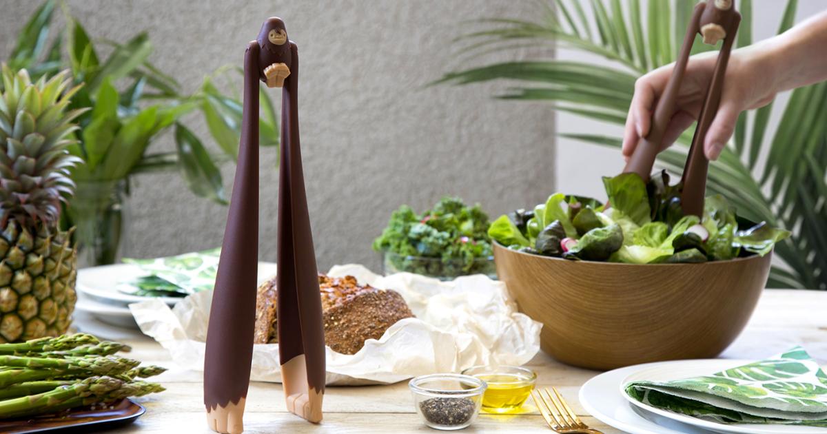 Este pegador de salada do Pé-grande é o que faltava em sua mesa de jantar