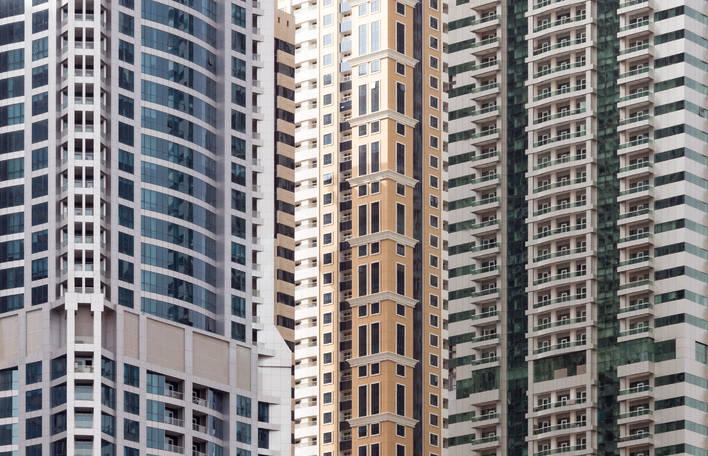 Perspectivas minimalistas da arquitetura icônica de Dubai