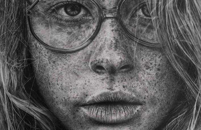 Confira os desenhos a lápis de retratos realistas desta artista. Incríveis!