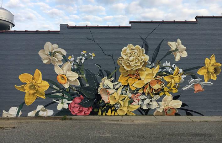 Confira os belíssimos murais florais enormes desta artista de Los Angeles