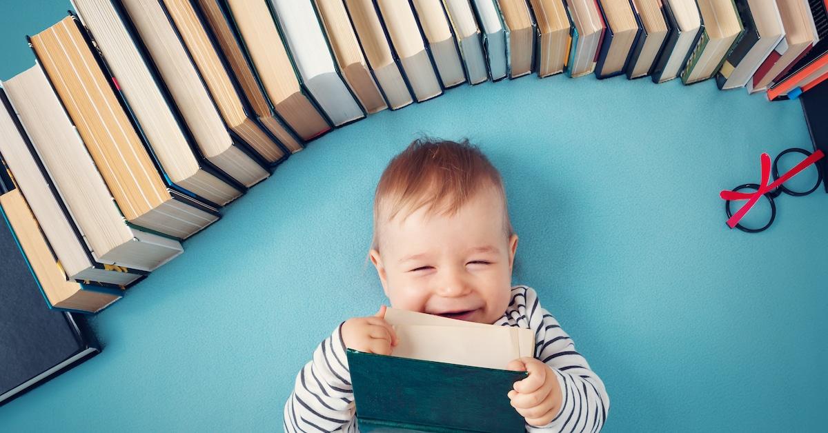 Estudos científicos mostram que crescer em uma casa com livros faz bem
