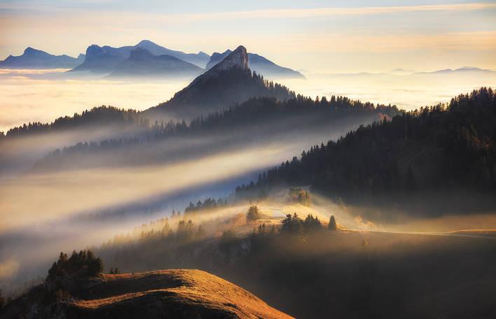 Fotos dos Alpes franceses acima das nuvens (8 fotos)
