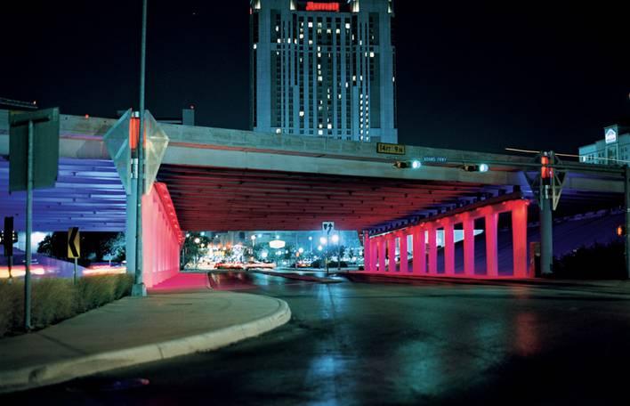 As incríveis projeções coloridas de Bill FitzGibbons em espaços públicos