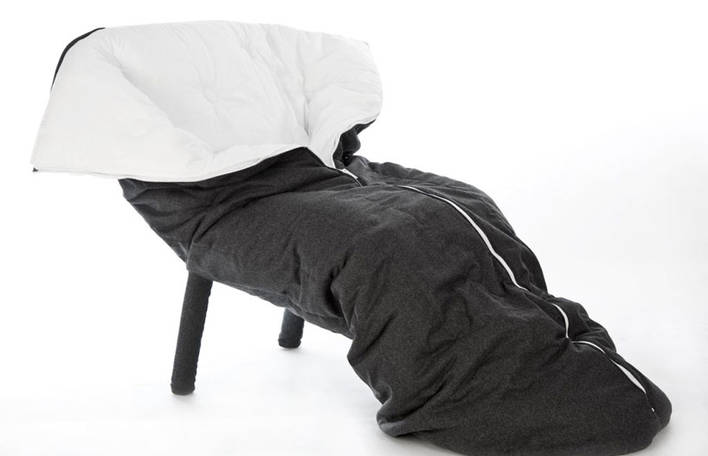 Esta cadeira acolchoada em forma de casulo era o que faltava na sua casa