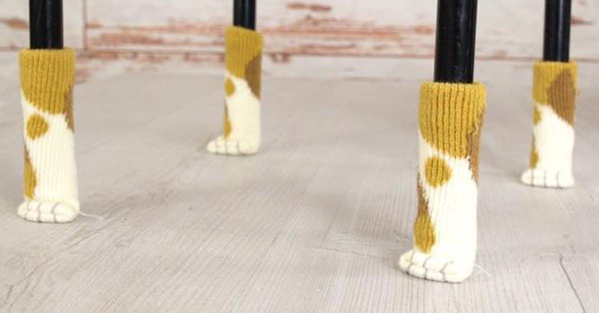 Estas adoráveis meias de patas de gatos para cadeiras vão proteger o chão com muita fofura
