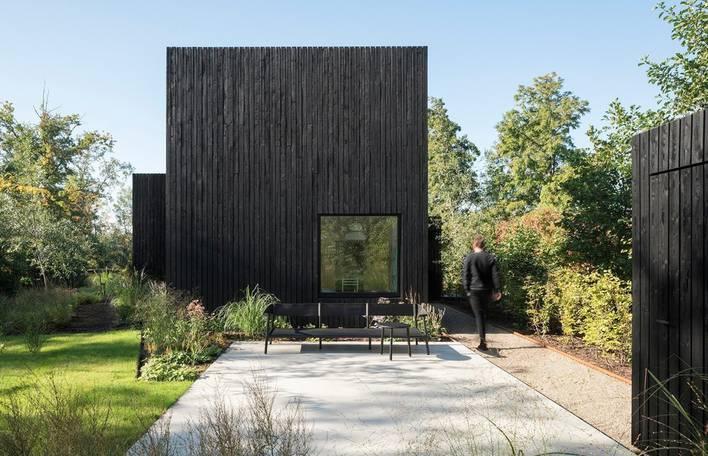 Adentre-se nesta casa luxuosa mas minimalista na Holanda (15 imagens)
