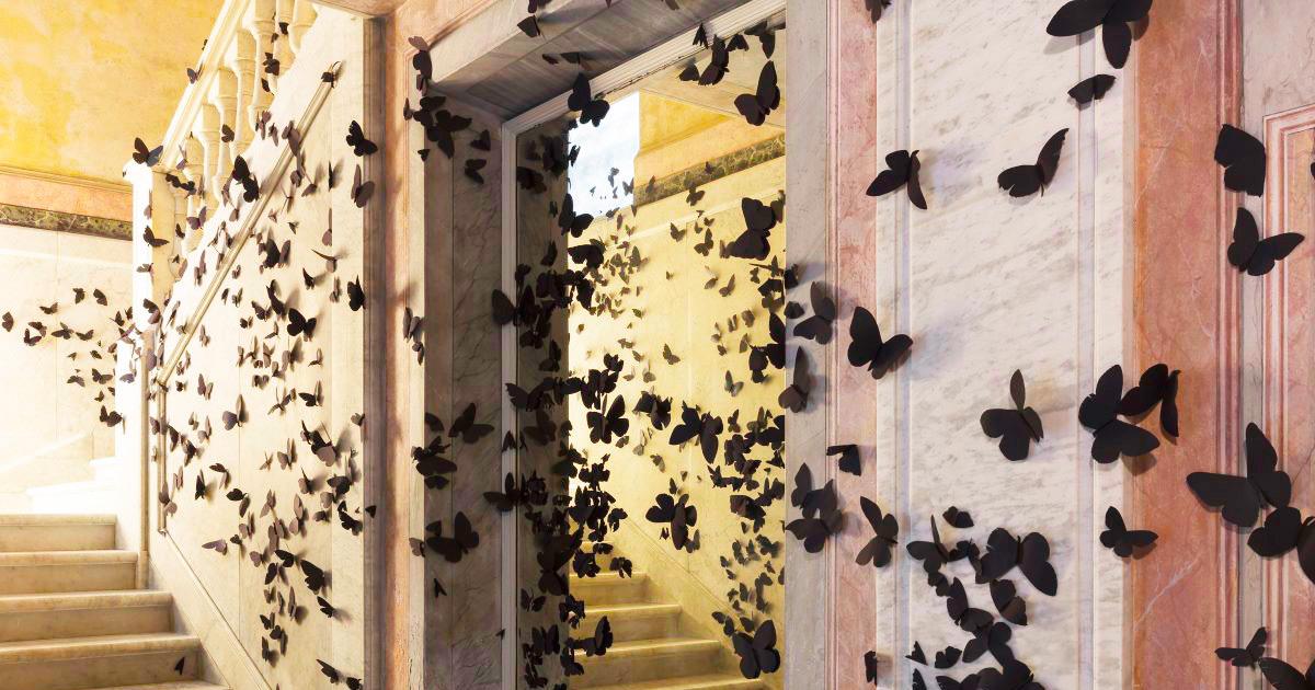 15 mil borboletas de papel abrilhantam a instalação deste artista mexicano