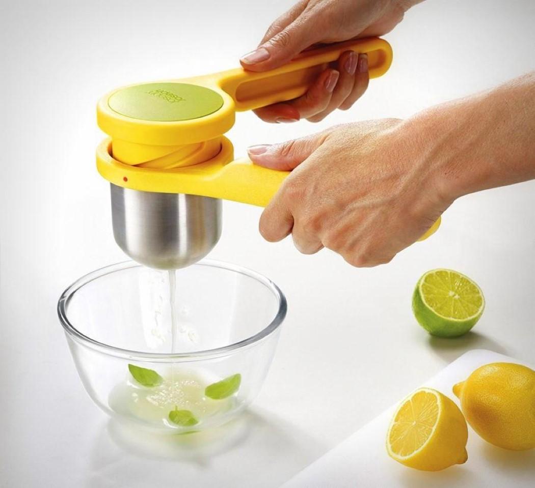 Se a vida te der limões, faça uma limonada com este espremedor de limão