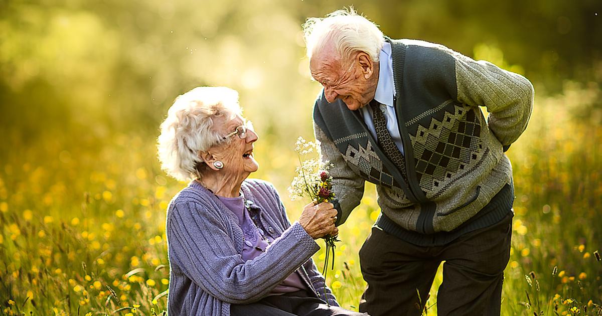 15 fotos de casais idosos que mostram como é o amor verdadeiro