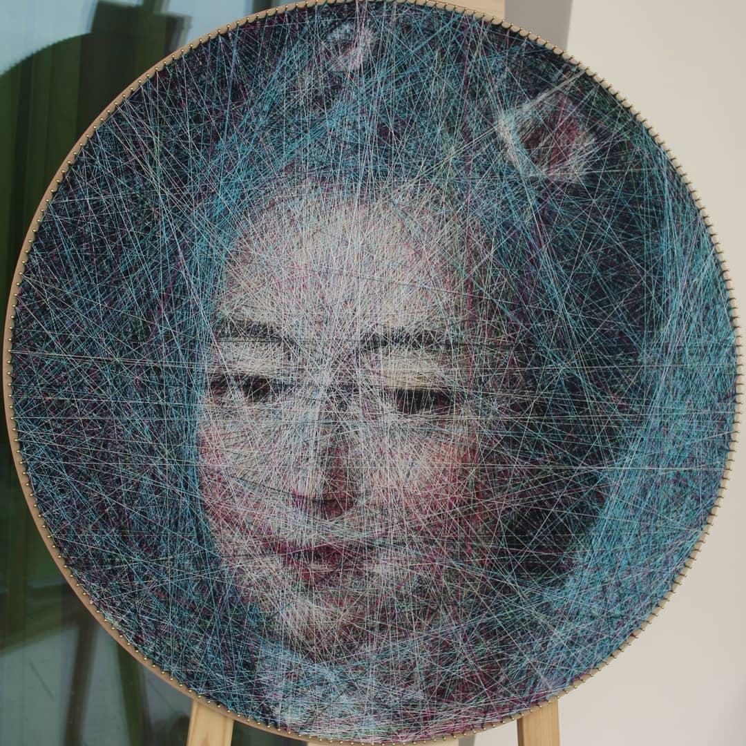 Recriações de pinturas famosas feitas de fios e produzidas por algoritmos matemáticos
