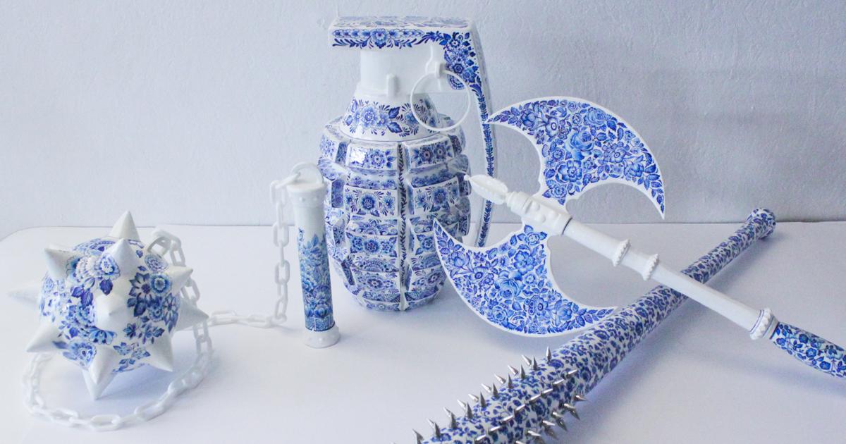 """Esta artista criou """"armas"""" de cerâmica para mostrar que as mulheres não são frágeis"""