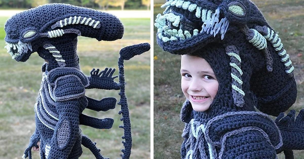 Mulher tricota fantasias de Halloween de corpo inteiro para seus filhos