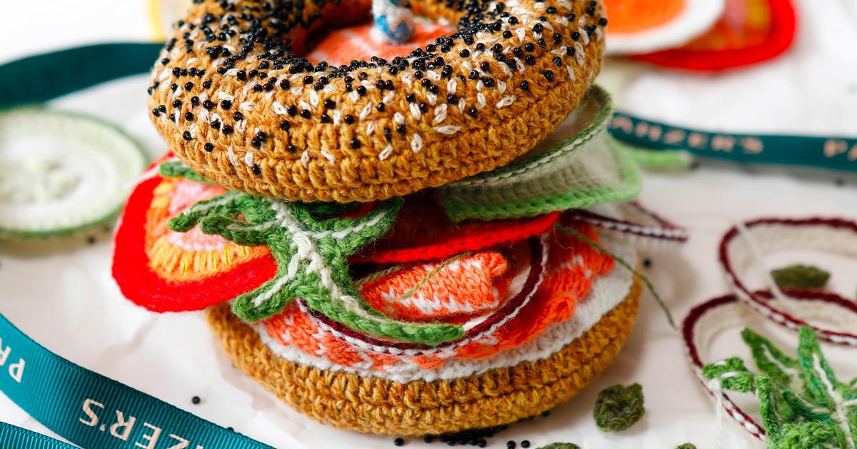 Itens de padaria são replicados em crochê, e ainda assim são de dar água na boca