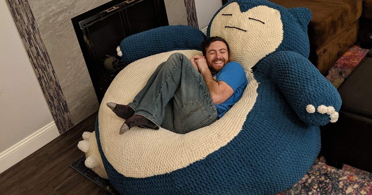 Este Puff De Crochê Gigante Do Snorlax É O Pokémon Perfeito Para Tirar Uma Soneca