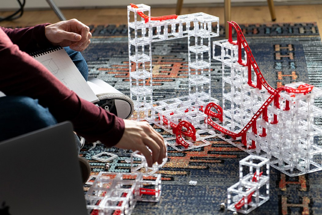 Este Brinquedo De Blocos Magnéticos Uniu A Adrenalina Do Hot Wheels E A Criatividade Da LEGO