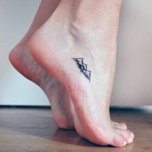ideias-para-tatuagem-pequena-no-pe-6