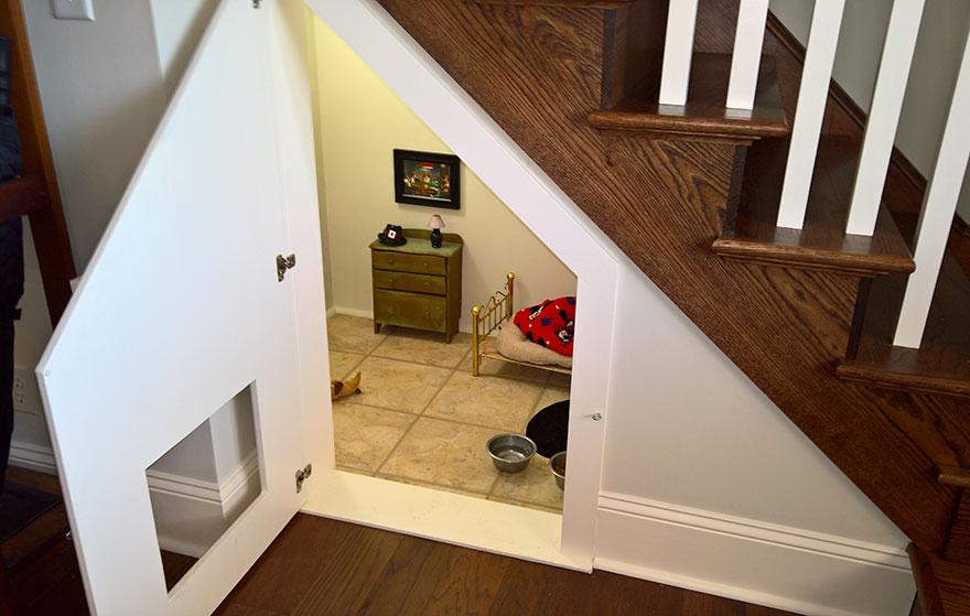 quarto-para-cao-sob-escadas-4